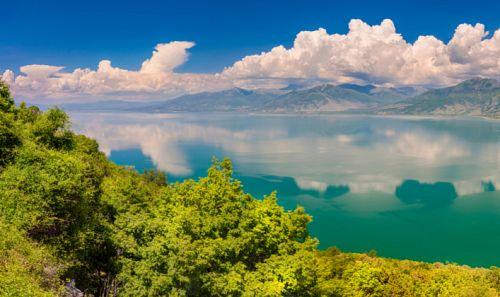 H ασύγκριτη ομορφιά της χώρας μέσα από τους υδροβιότοπούς της