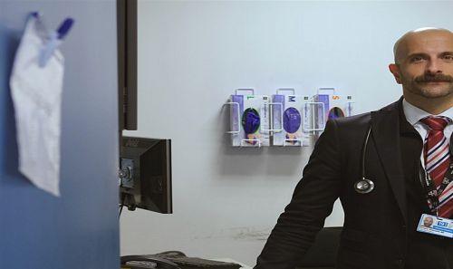 Ο Έλληνας γιατρός που πολεμά τον HIV στη Νέα Υόρκη