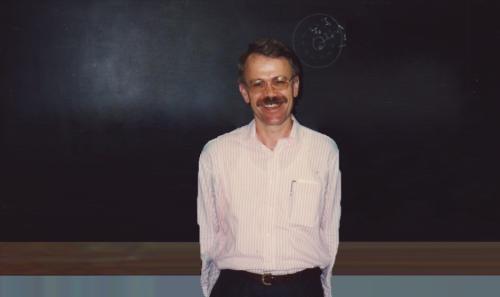 Ο καθηγητής που ονομάζουν μαθηματικούς όρους προς τιμήν του έργου του