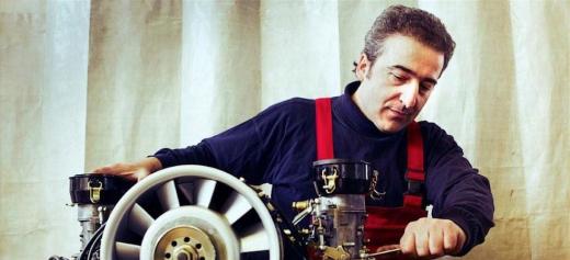 Ένας καλλιτέχνης μηχανικός αυτοκινήτων από τον Πόντο