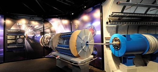 The CERN exhibition comes to Athens