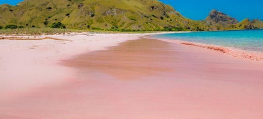 2 Greek beaches among the most beautiful pink beaches in the world