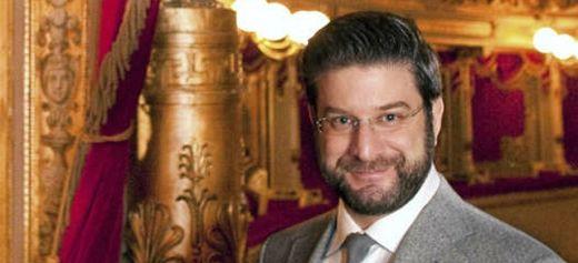 Υπεύθυνος διανομών στις πιο γνωστές όπερες του κόσμου