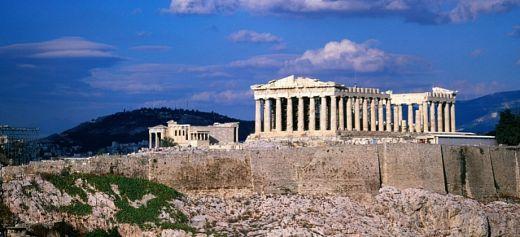 Acropolis among the top 10 European landmarks