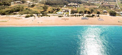 """8 ελληνικές παραλίες στις καλύτερες """"μυστικές"""" παραλίες στην Ευρώπη"""
