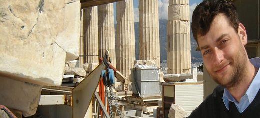 Ακόμα μια επιτυχία για τον Έλληνα κυνηγό κλεμμένων αρχαιοτήτων