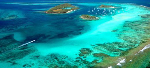 A Greek island among thee top 10 honeymoon islands