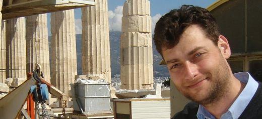 Ο Έλληνας κυνηγός κλεμμένων αρχαιοτήτων εντόπισε ύποπτης προέλευσης άγαλμα