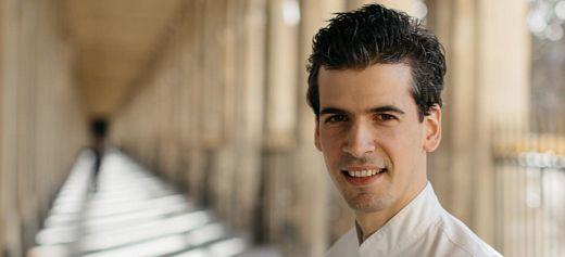 Ο σεφ που μάγεψε το Παρίσι με τα πιάτα του