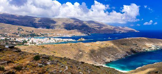 Tο νησί με την πλούσια φύση