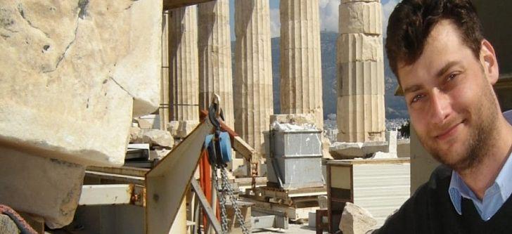 Κυνηγός κλεμμένων αρχαιοτήτων