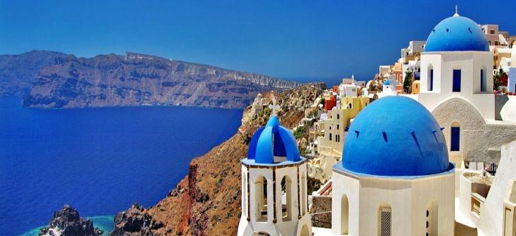 Ένα ελληνικό νησί στις πιο ρομαντικές κρουαζιέρες για το 2016