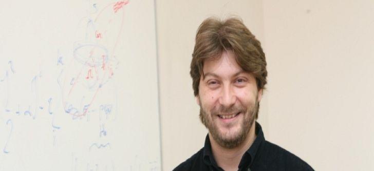 International award for Greek astrophysicist