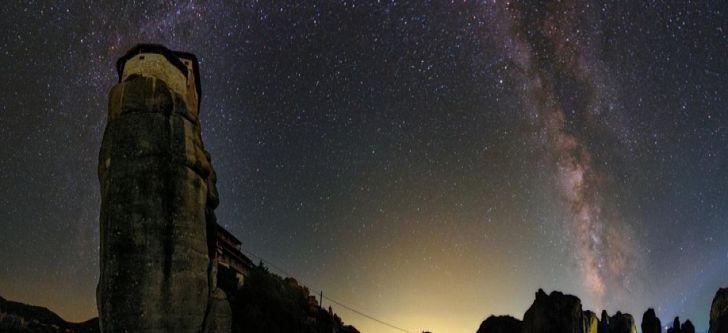 Ελληνική πόλη ανάμεσα στις 8 κορυφαίες αρχαίες τοποθεσίες για να δείτε τα αστέρια