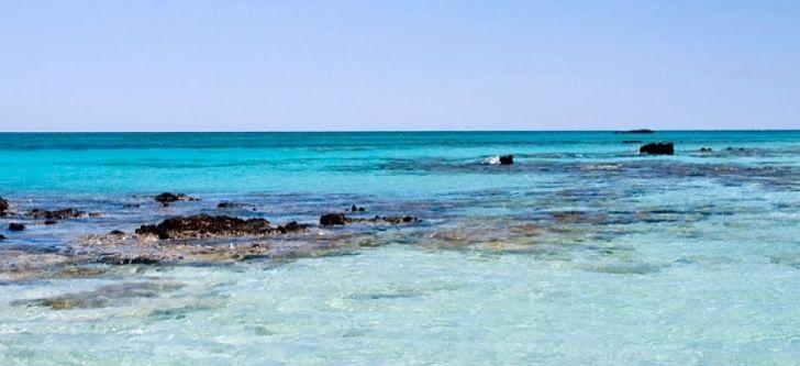 Μια ελληνική παραλία στις 11 πιο πολύχρωμες παραλίες στον κόσμο