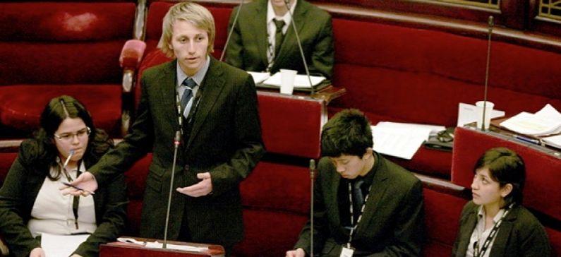 Ενα ελληνόπουλο, πρωθυπουργός της Βουλής των Εφήβων στη Βικτώρια