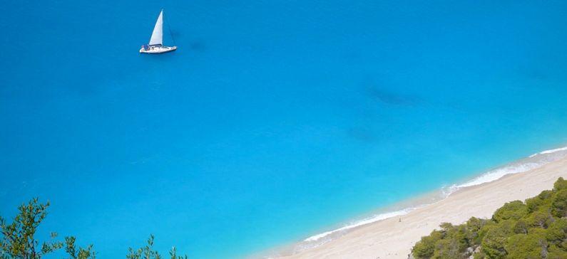 Τρεις ελληνικές παραλίες στις ομορφότερες της Μεσογείου