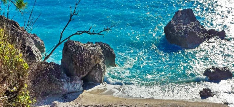 4 Greek beaches among the top 12 in Europe