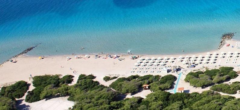 2 ελληνικές παραλίες στη λίστα με τις καλύτερες διακοπές για οικογένειες με μικρά παιδιά