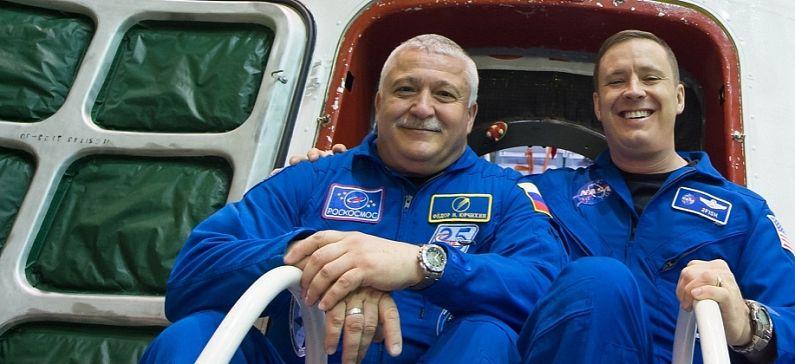 """Ο Ελληνορώσος κοσμοναύτης θα """"περπατήσει"""" για 6 ώρες εκτός του Διεθνούς Διαστημικού Σταθμού"""