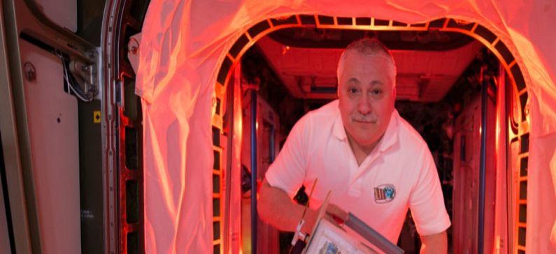 Εκτόξευσε χειροκίνητα στο διάστημα τον πρώτο στο κόσμο νανοδορυφόρο από 3D εκτύπωση