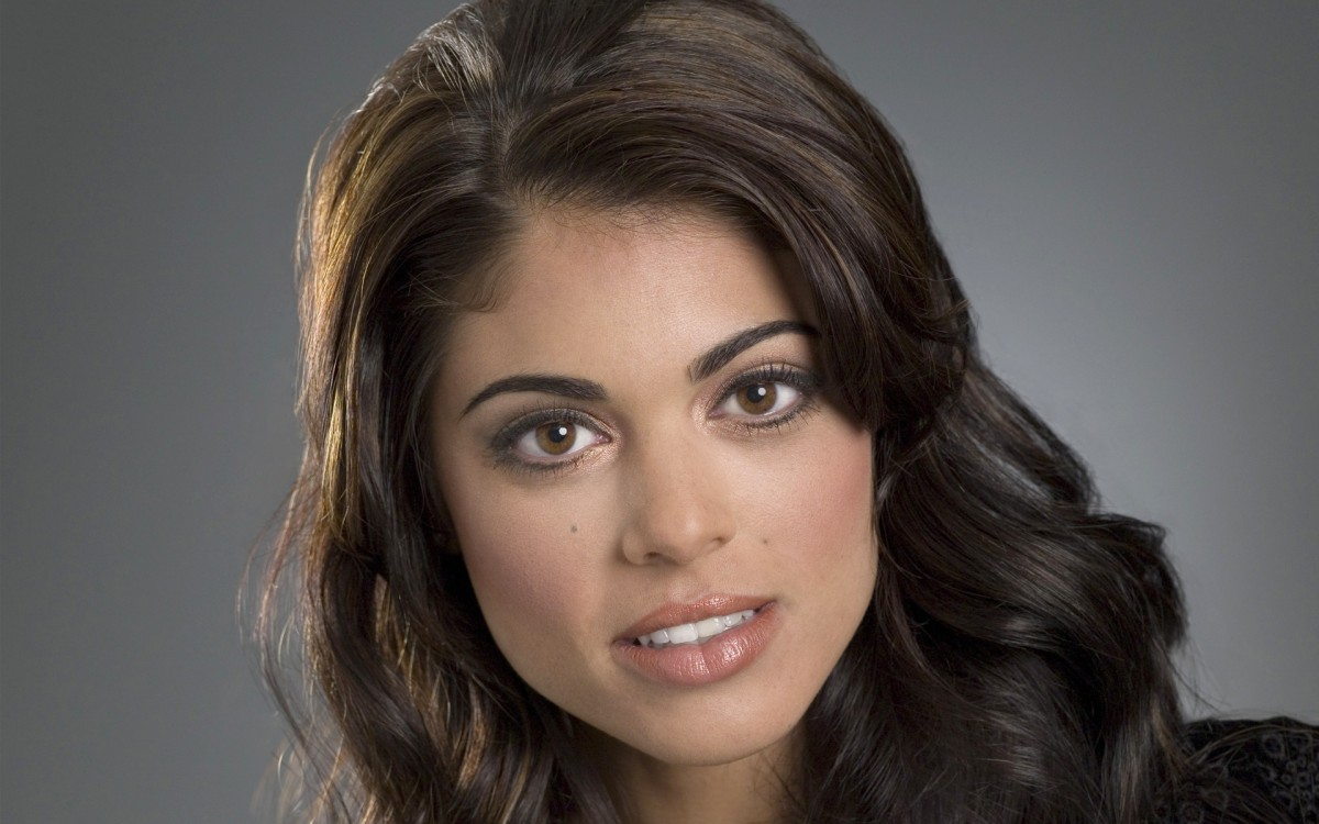 photo Lindsay Hartley born April 17, 1978 (age 40)