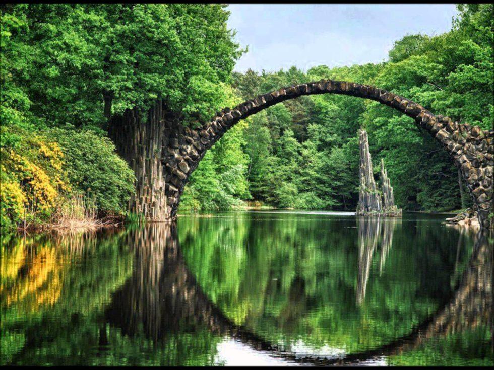 Rakotzbrücke (Rakotz Bridge), Kromlau, Germany